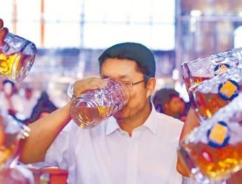 每周乾杯酒 下咽癌風險高19倍  Rượu bia mỗi tuần Ung thư vòm họng tăng gấp 19 lần