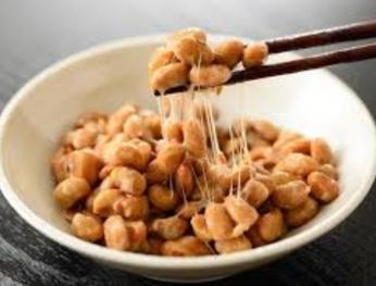 Một hộp cồn Natto có thể giảm 10% tỷ lệ tử vong mỗi ngày  一日一盒納豆 死亡率可減 10%