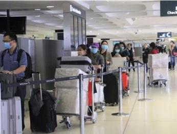 Việt Nam tiếp nhận 350 công dân từ Australia về nước 越南接收從澳大利亞回來的350名越南公民