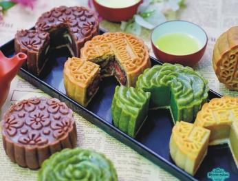 Bánh trung thu đặc sản Việt chinh phục thực khách 越南特色月餅走出國門 征服食客的味蕾