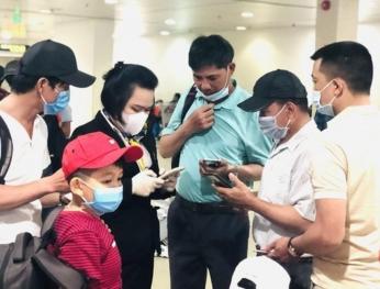 Hàng không từ chối vận chuyển khách không khai báo y tế 越南各家航空公司拒絕未進行健康申報的乘客登機