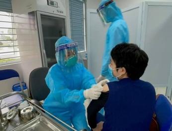 128.610 người tại Việt đã tiêm vắc xin 全國新冠疫苗接種人數達128610人