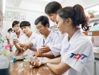 Giáo dục đại học Việt Nam tăng hạng trên bản đồ giáo dục quốc tế 越南高等教育在世界上的排名持續上升